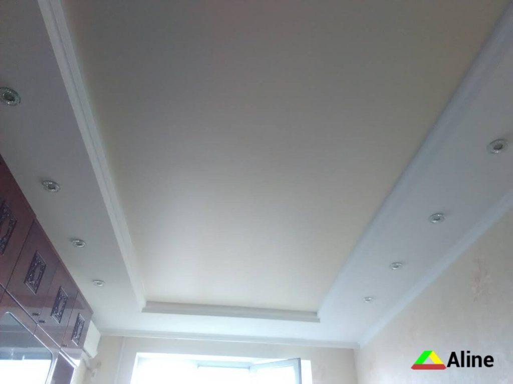 стоимость одноуровневого натяжного потолка